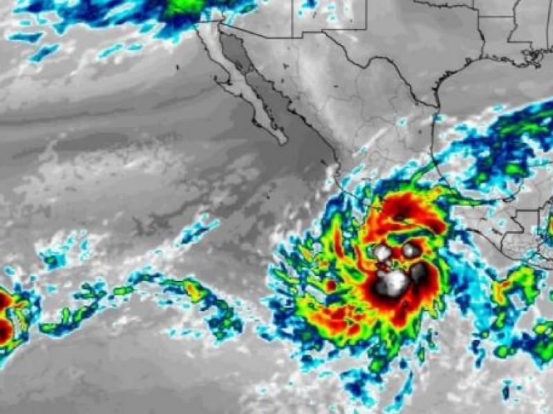 """Emiten avisos preventivos ante formación de """"Tormenta Tropical Rick"""""""