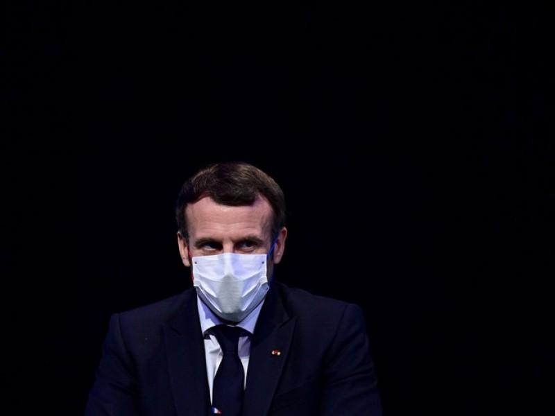 Emmanuel Macron bajo cuarentena al dar positivo a Covid-19