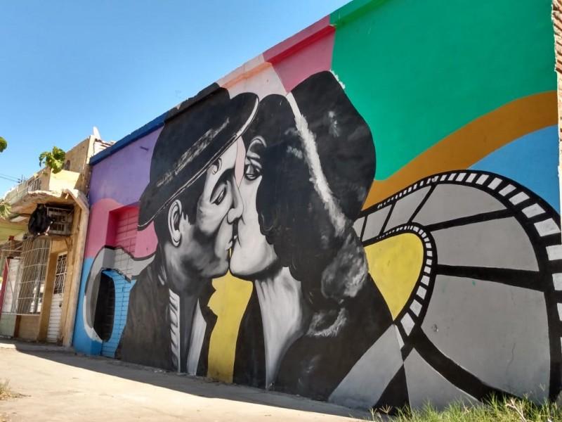 Empalme con ocho murales que describen su historia