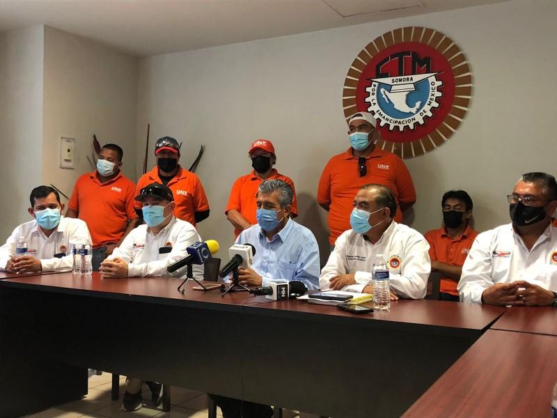 Emplaza a huelga sindicato de transporte para lunes 25