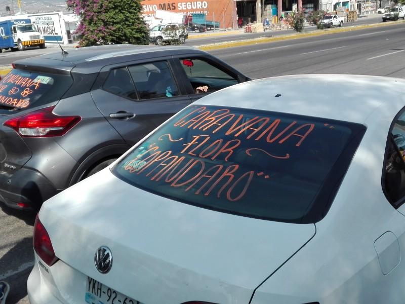 Emprenden caravana para apoyar a productores de flor de Cempasúchil