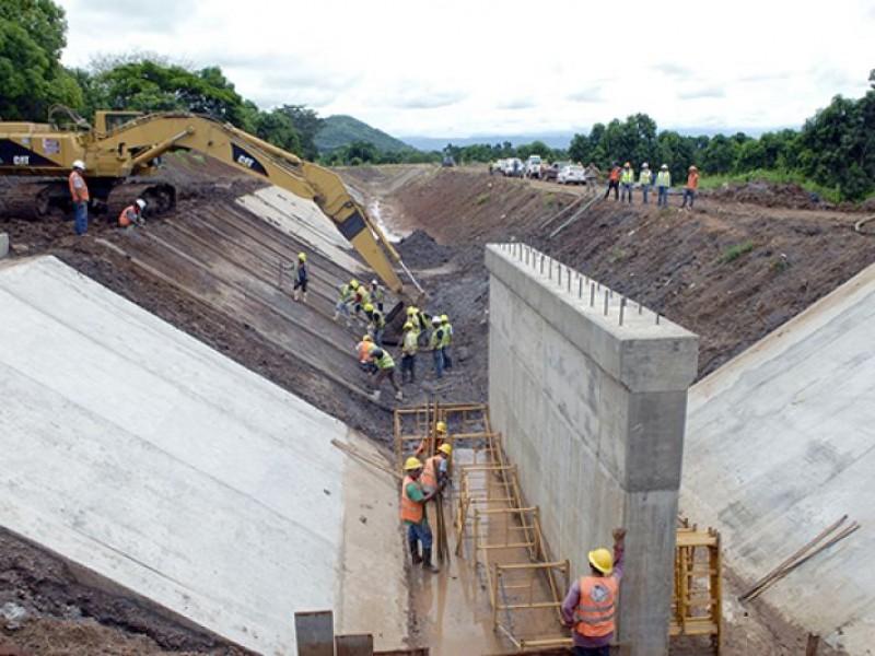 Empresa locales continuarían obra del Canal Centenario