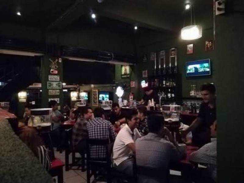 Empresarios de bares piden reactivar sector. Están en números rojos