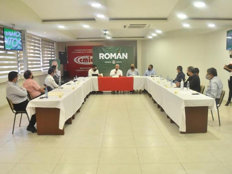 Empresarios se reúnen con Román Cepeda; buscan mejores condiciones
