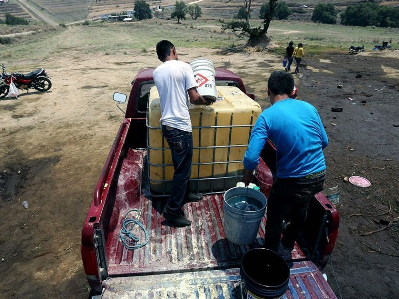 Empresarios y funcionarios 'lavaron' 10 mmdp de huachicol