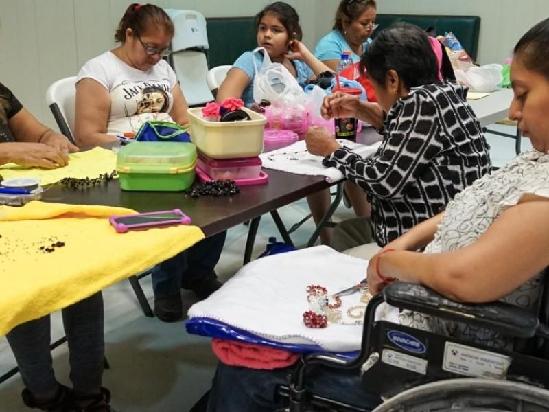 Empresas de La Laguna mantienen a trabajadores con alguna discapacidad