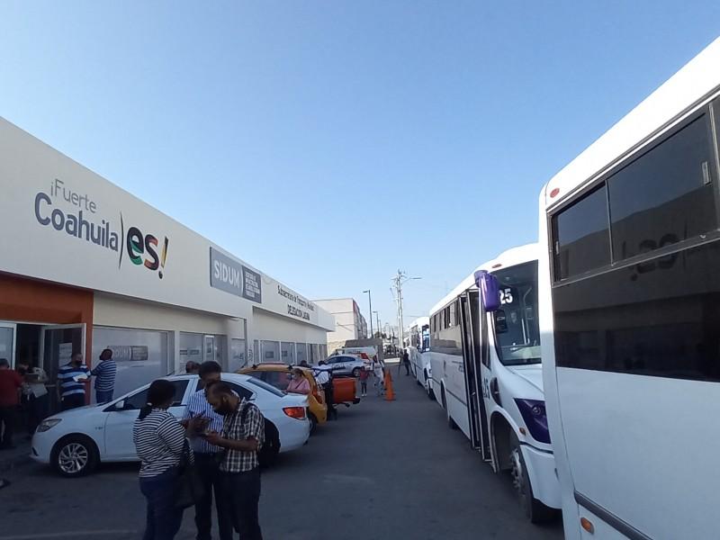 Empresas laguneras denuncian competencia desleal en el transporte del personal