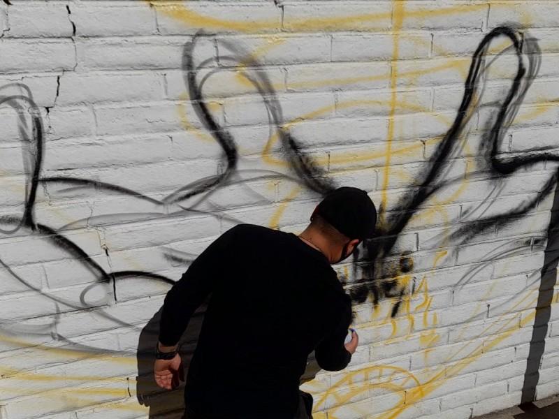 En 15 días culminará artista urbano mural de la educación
