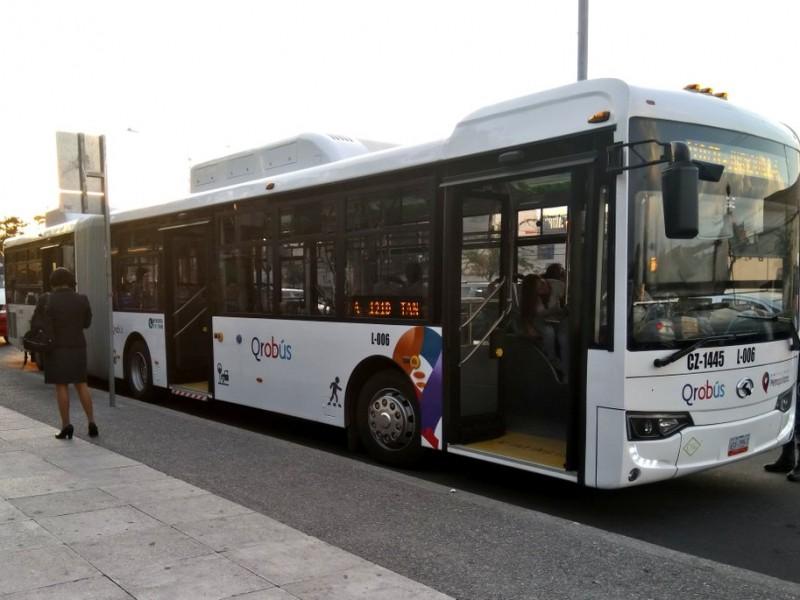 En contra los costos del trasporte público
