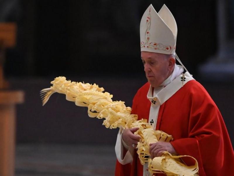 En Domingo de Ramos, el Papa pide valentía ante pandemia
