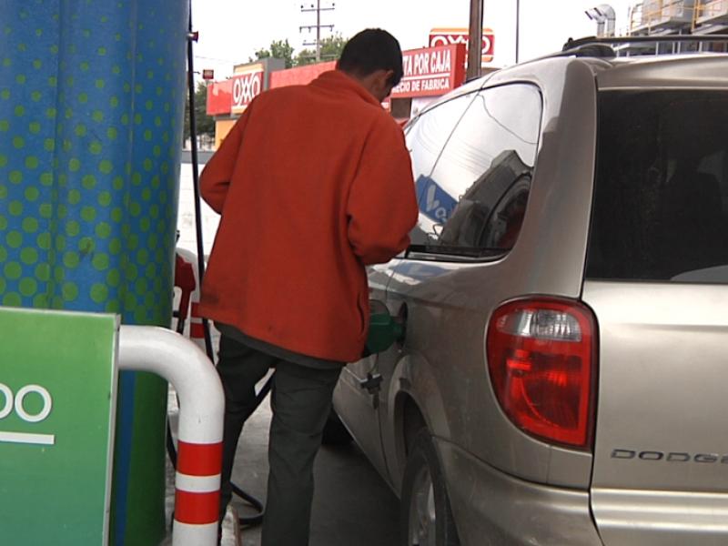 En el año aumento 25% la gasolina