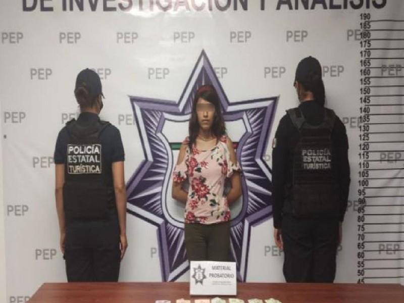 En el Centro Histórico, Policía Estatal detiene a presunta narcovendedora
