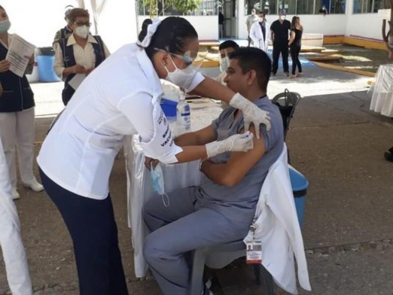 En febrero y marzo será vacunación anticovid para adultos mayores