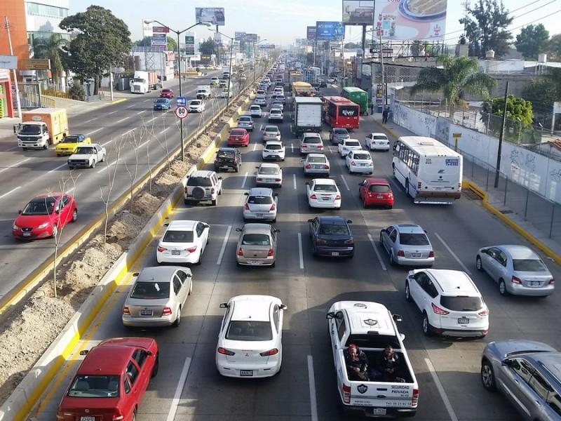 En Jalisco circula un auto por cada dos personas