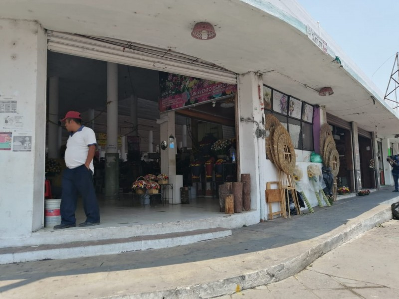 En la quiebra locatarios del mercado de las flores