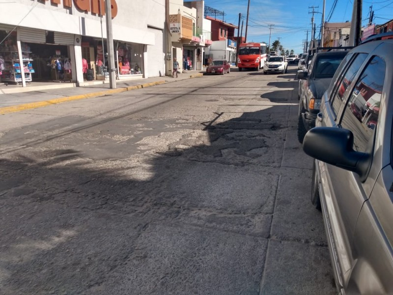 En malas condiciones calle Manuel Doblado