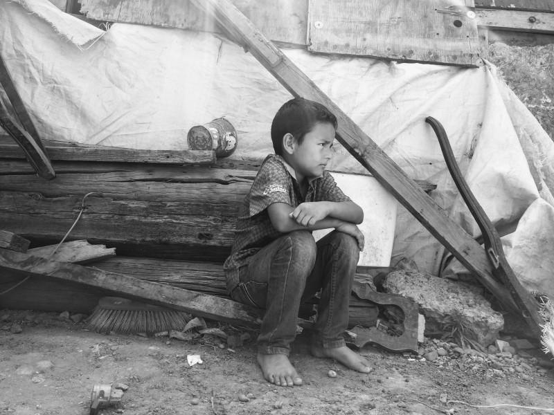 En medio de la pobreza celebran su día