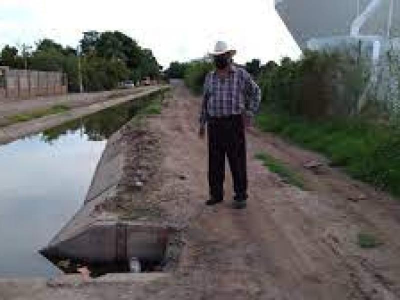 En Mochicahui habitantes sufren crisis en servicios públicos