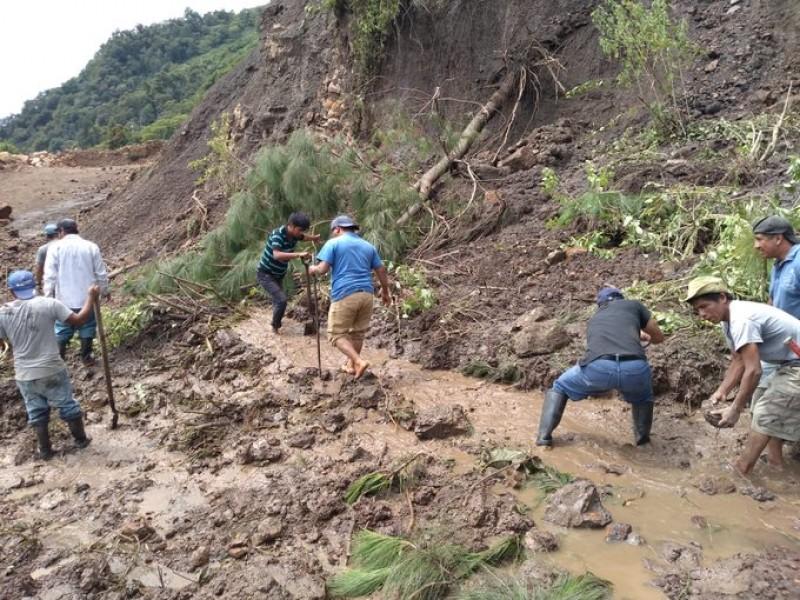 En Oaxaca 24 municipios incomunicados por Narda