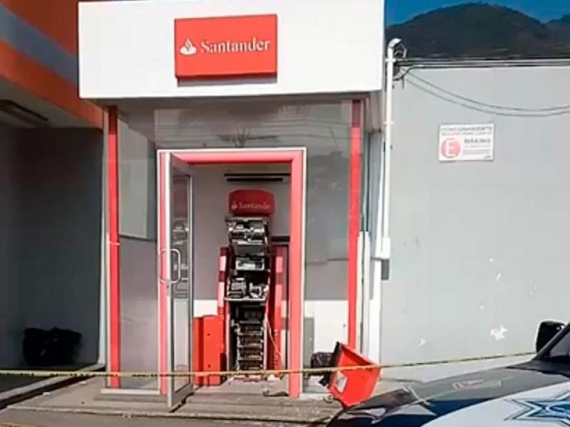 En Orizaba roban cajero automático con bombas molotov