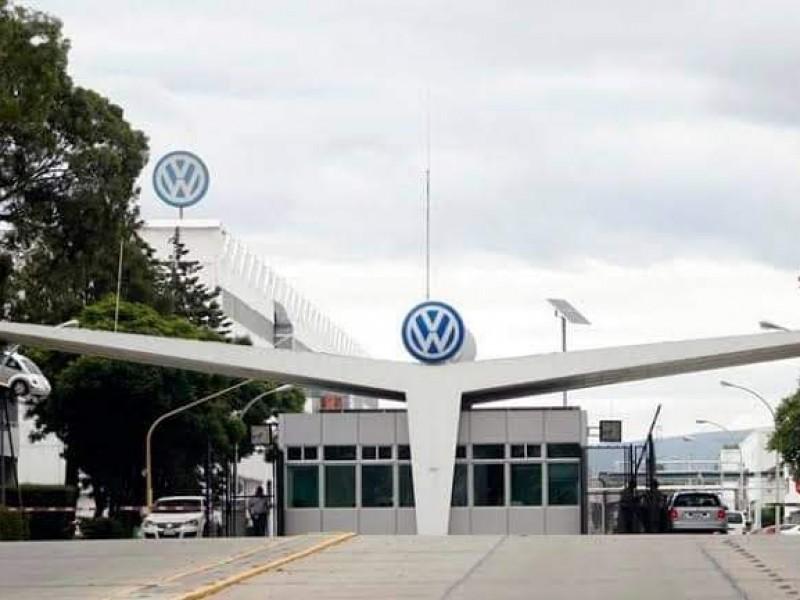 En paro técnico, armadoras de automóviles de Puebla