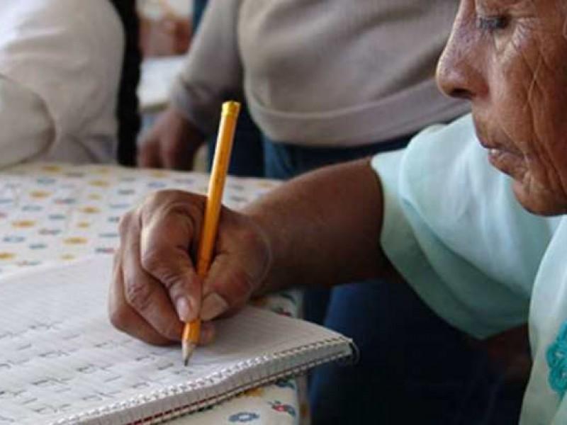 En pausa, lucha contra el analfabetismo en Sonora