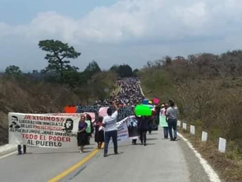 En plena pandemia comuneros de Bochil marchan contra alcalde