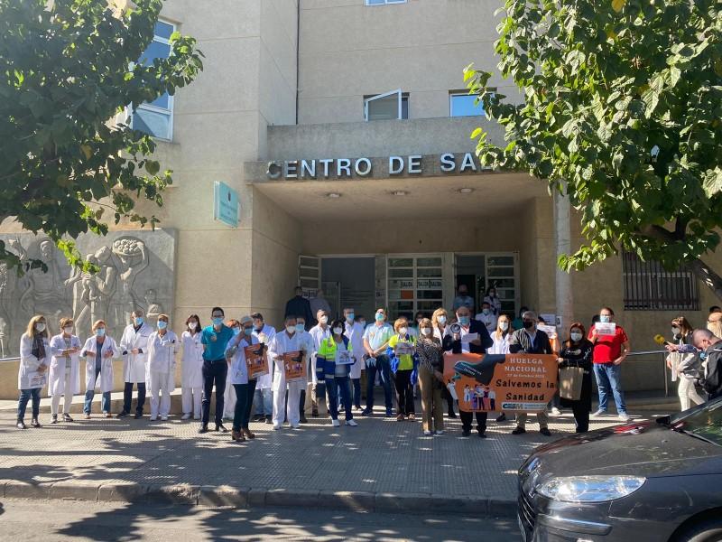 En plena segunda ola de contagios, médicos españoles inician huelga