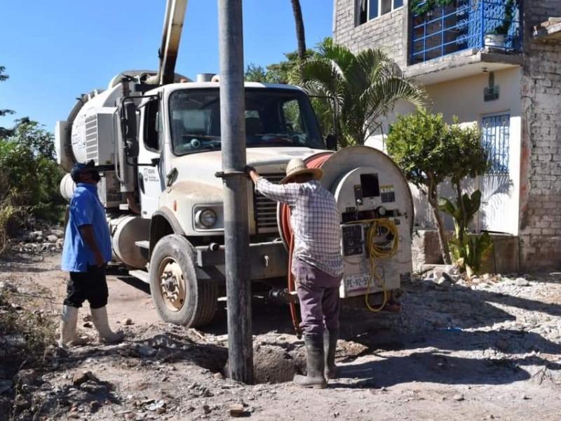 En problemas sistema de drenaje en Tecuala; trabajadores detectan falla