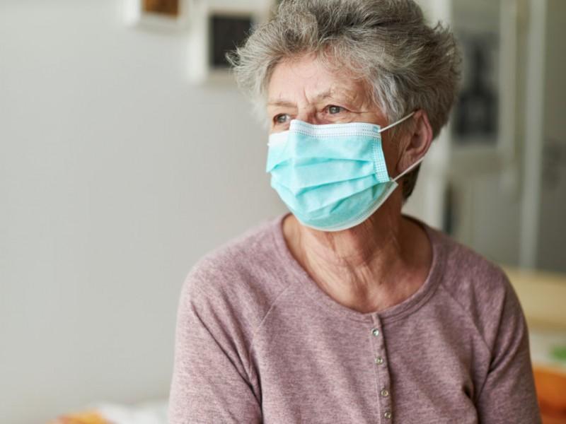 En riesgo adultos mayores de Michoacán por mutación de COVID-19