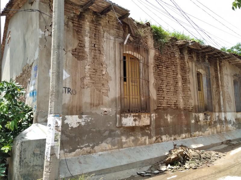 En riesgo construcciones antiguas por lluvias en Tehuantepec