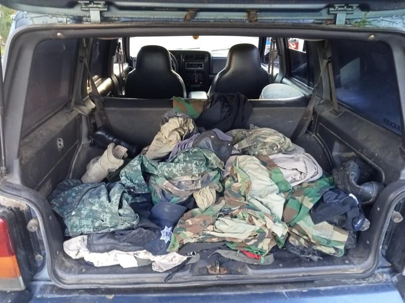 En Tepuche; aseguran vehículos y presunta droga