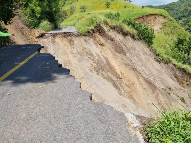 En un mes, quedarán reparadas las carreteras derrumbadas