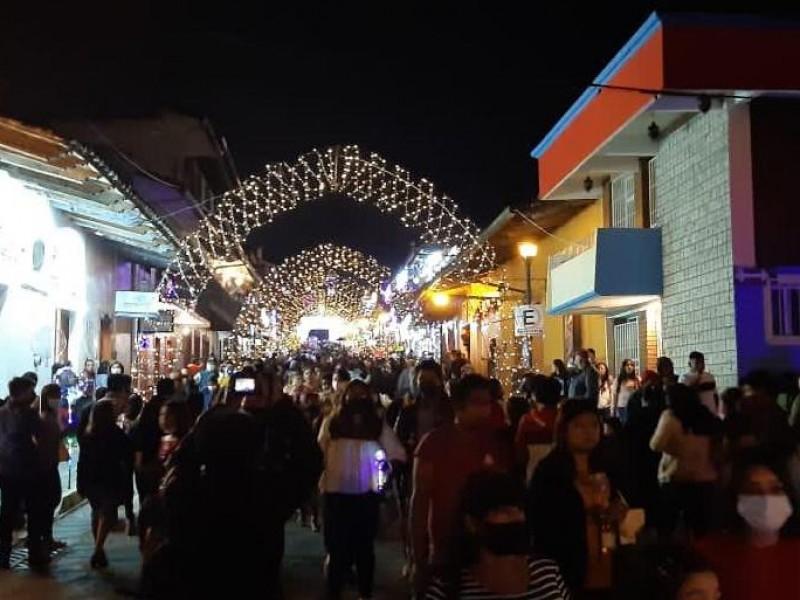 En Xico se aglomeran en evento organizado por el Ayuntamiento