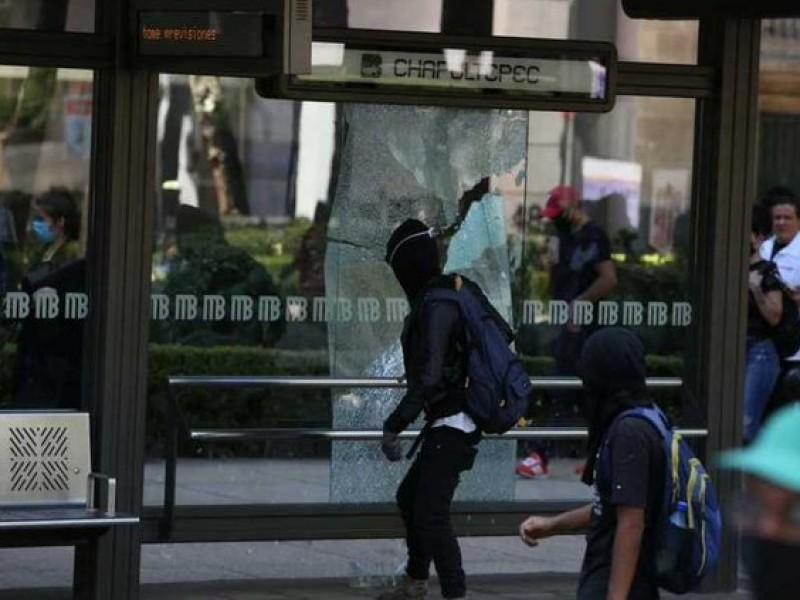 Encapuchados vandalizan Paseo de la Reforma y Polanco