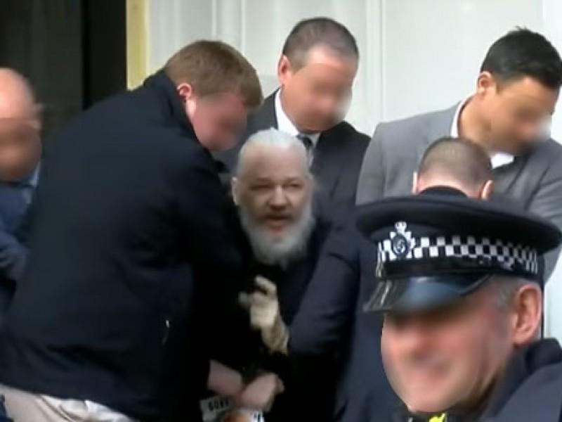 Encarcelamiento de Assange, tramado para complicar su defensa