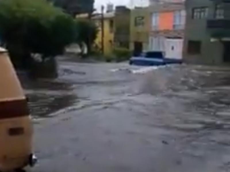 Encharcamientos e inundaciones deja huracán Genoveva en Guadalajara