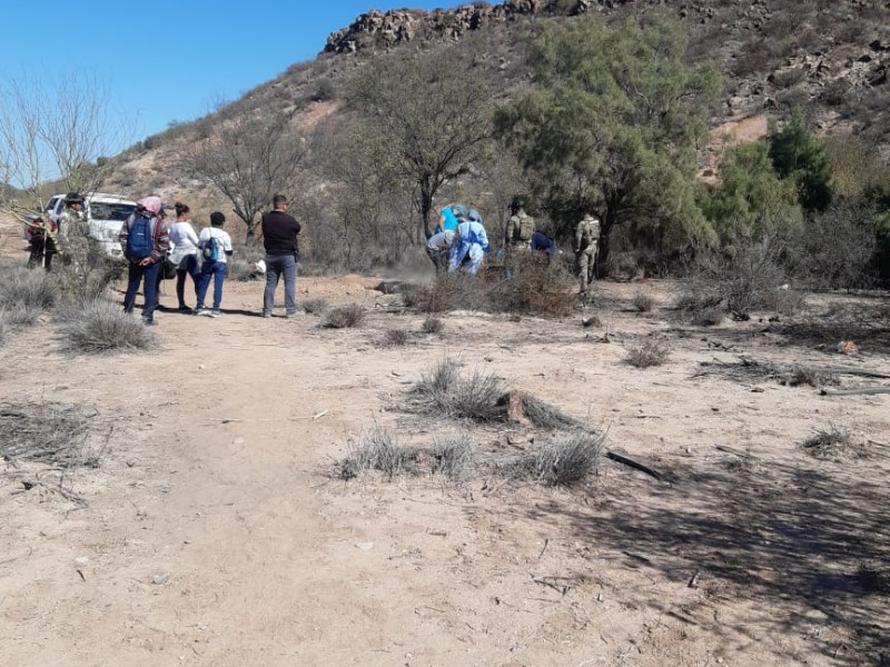 Encuentran 300 fragmentos calcinados en fosa clandestina en Empalme