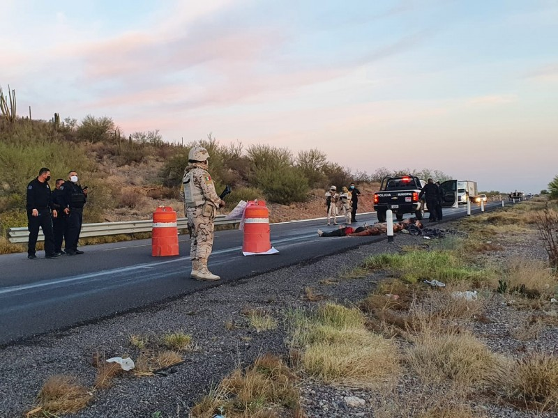 Arrojan cinco cadáveres en tramo Caborca-Sonoyta
