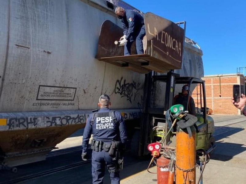 Encuentran droga conocida como cristal en vagón de ferrocarril