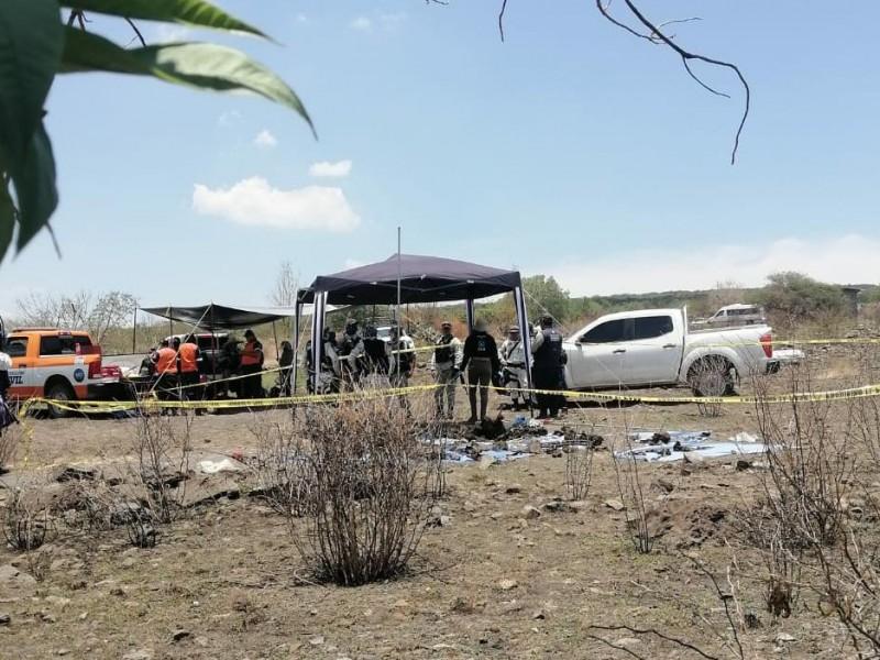 Encuentran más de 3 cuerpos en fosa en Los Zavala