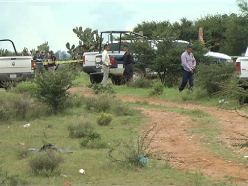 Encuentran dos cuerpos dentro de taxi en Fresnillo