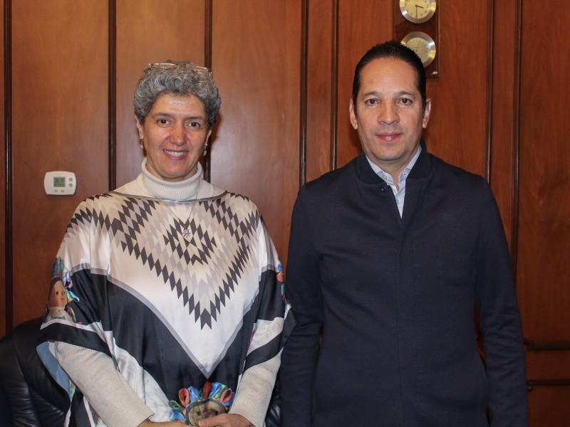 Encuentro del gobernador con la rectora Teresa García