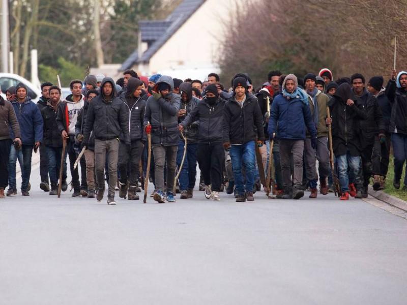 Enfrentamiento con inmigrantes en Francia deja varios heridos