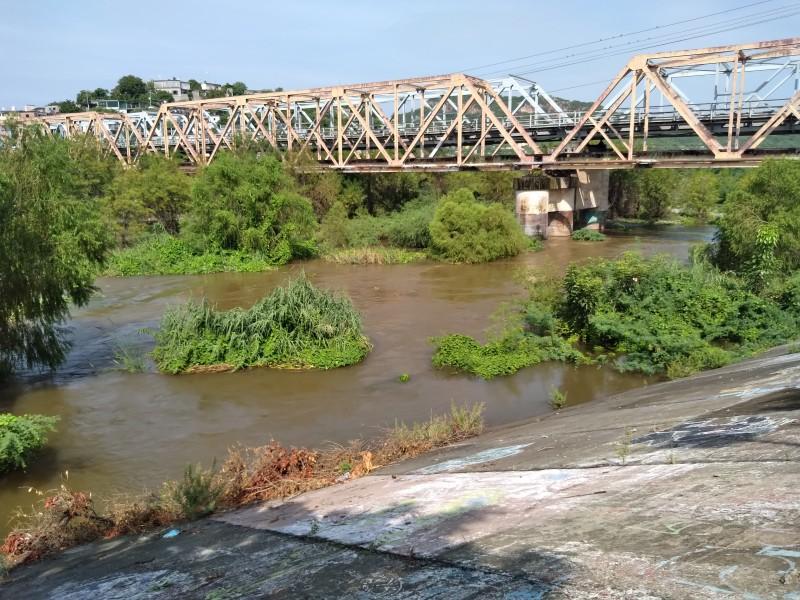 ¡Enhorabuena! Lluvias limpian contaminación de río Tehuantepec por aguas negras