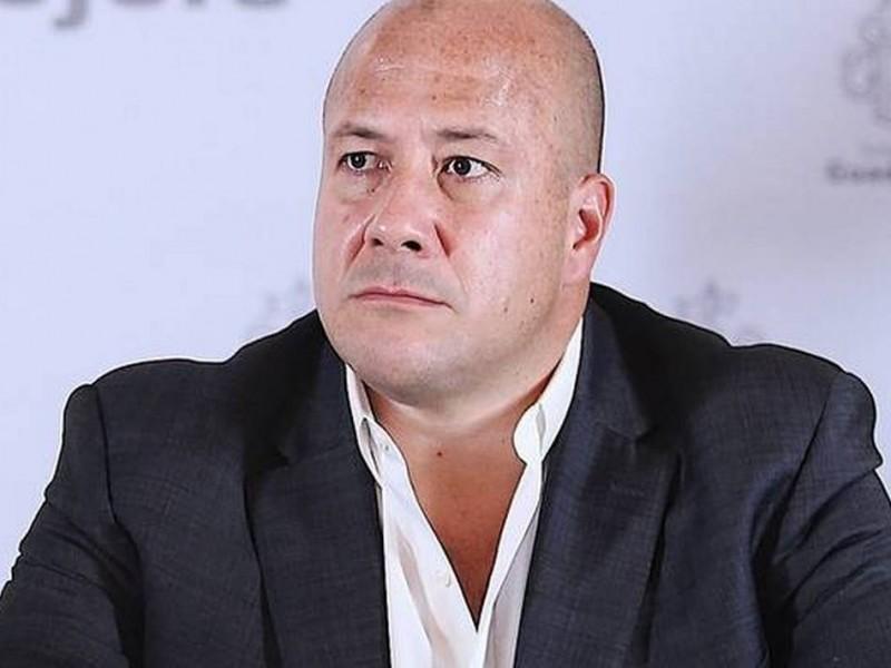 Enrique Alfaro firma acuerdo de no adhesión al Insabi