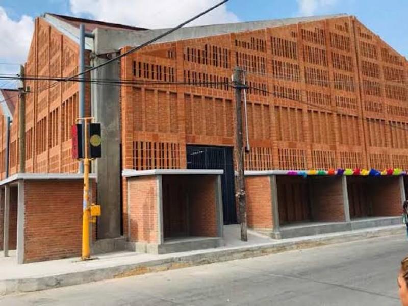 Entre 50% y 70% de locatarios opera mercado de Juchitán