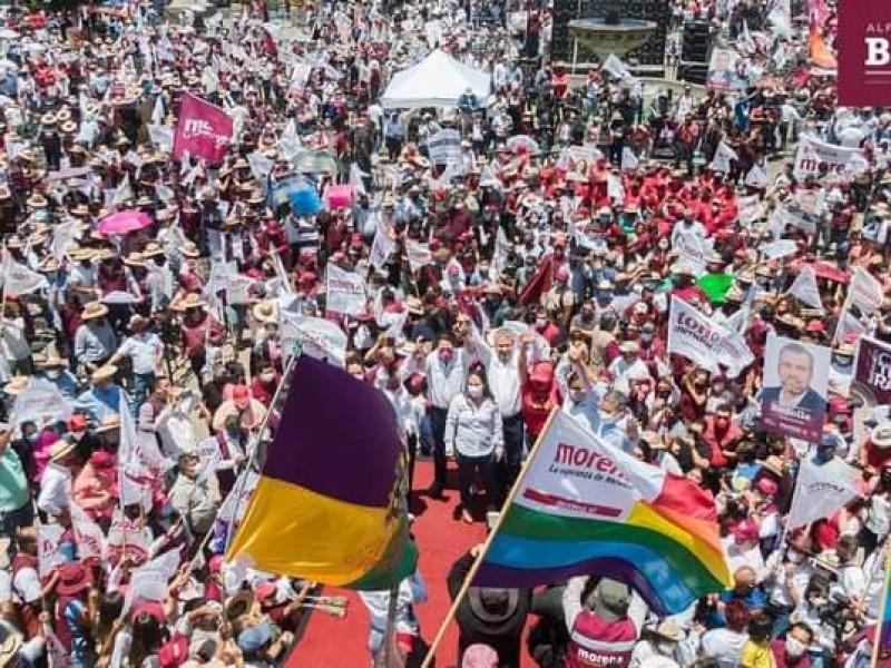 Arrancan campaña entre aglomeraciones y sin sana distancia en Michoacan