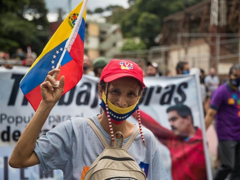 Entre apatía y prohibiciones ignoradas, Venezuela va a elecciones legislativas