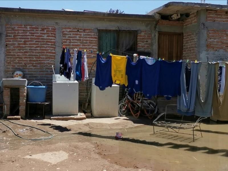 Por falta de atención, colapsa drenaje en Nuevo San Miguel